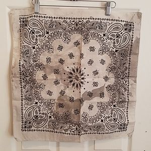 "White paisley hand dyed custom bandana 21"" new"